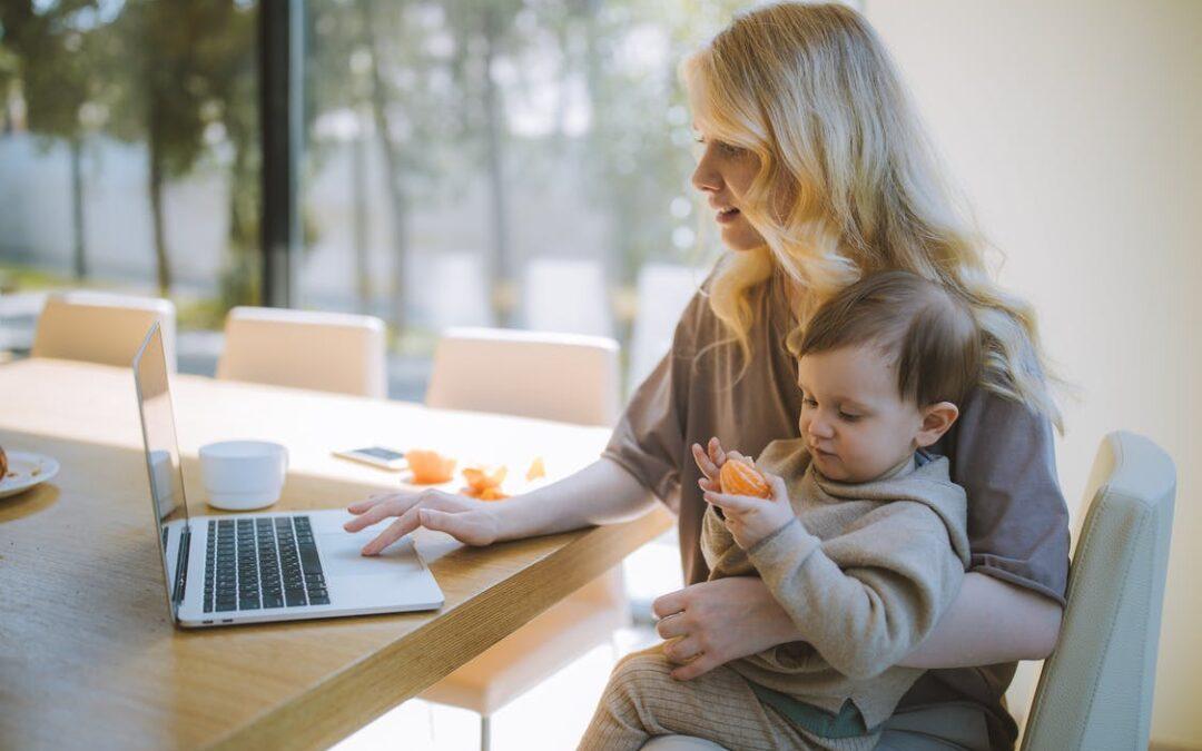 Bliv ved med at arbejde på din hjemmeside under barselsorlov